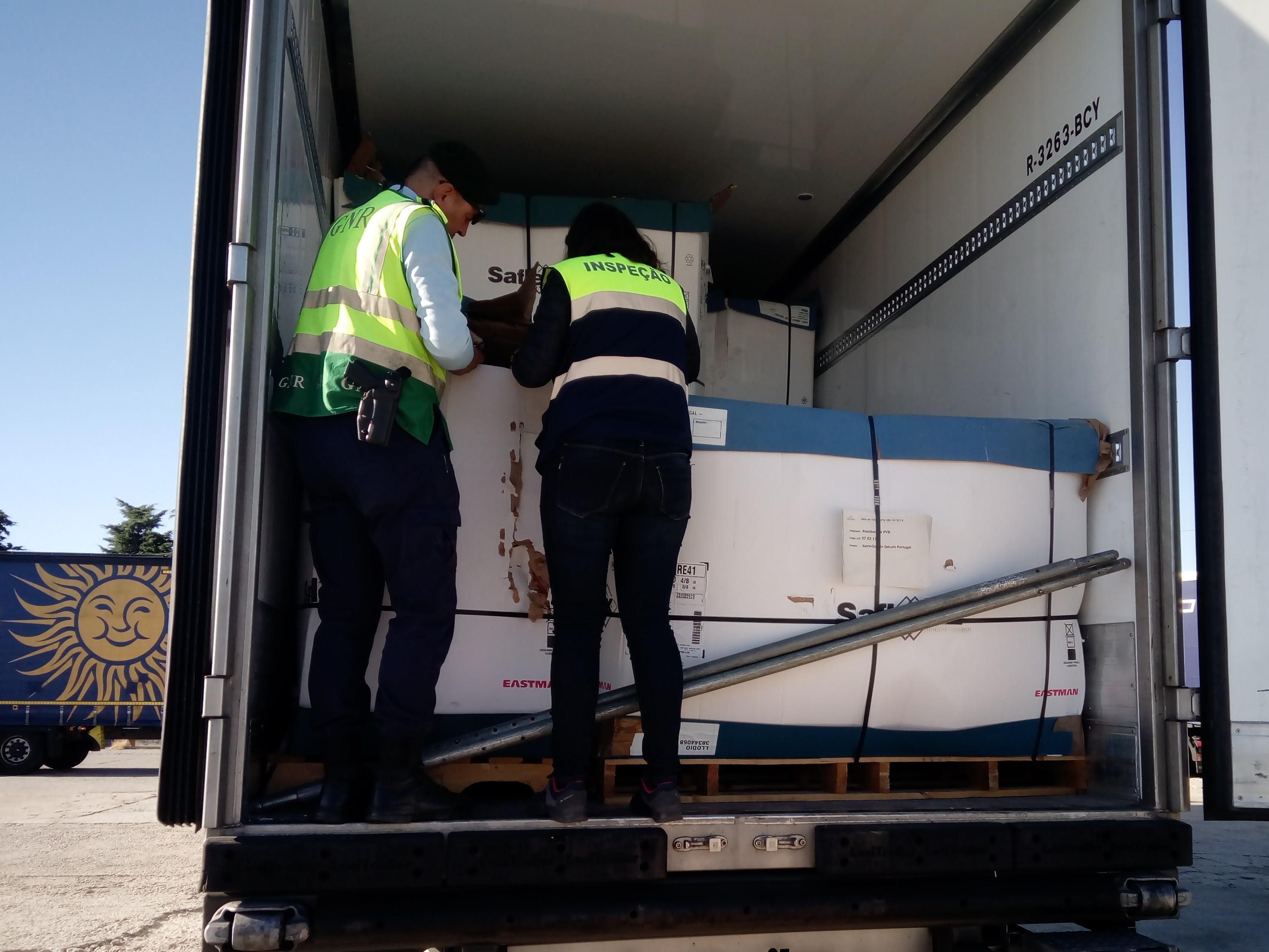 IGAMAOT coordena ação de controlo de transporte de resíduos nacional e internacional